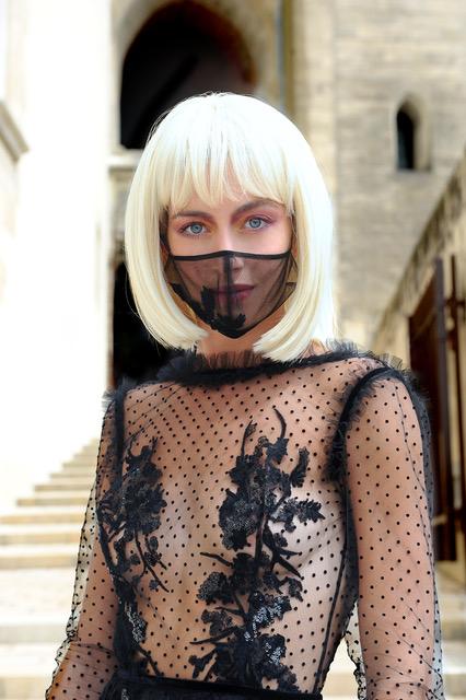 La Metamorphose Couture Fall Winter 2020 2021 - 24